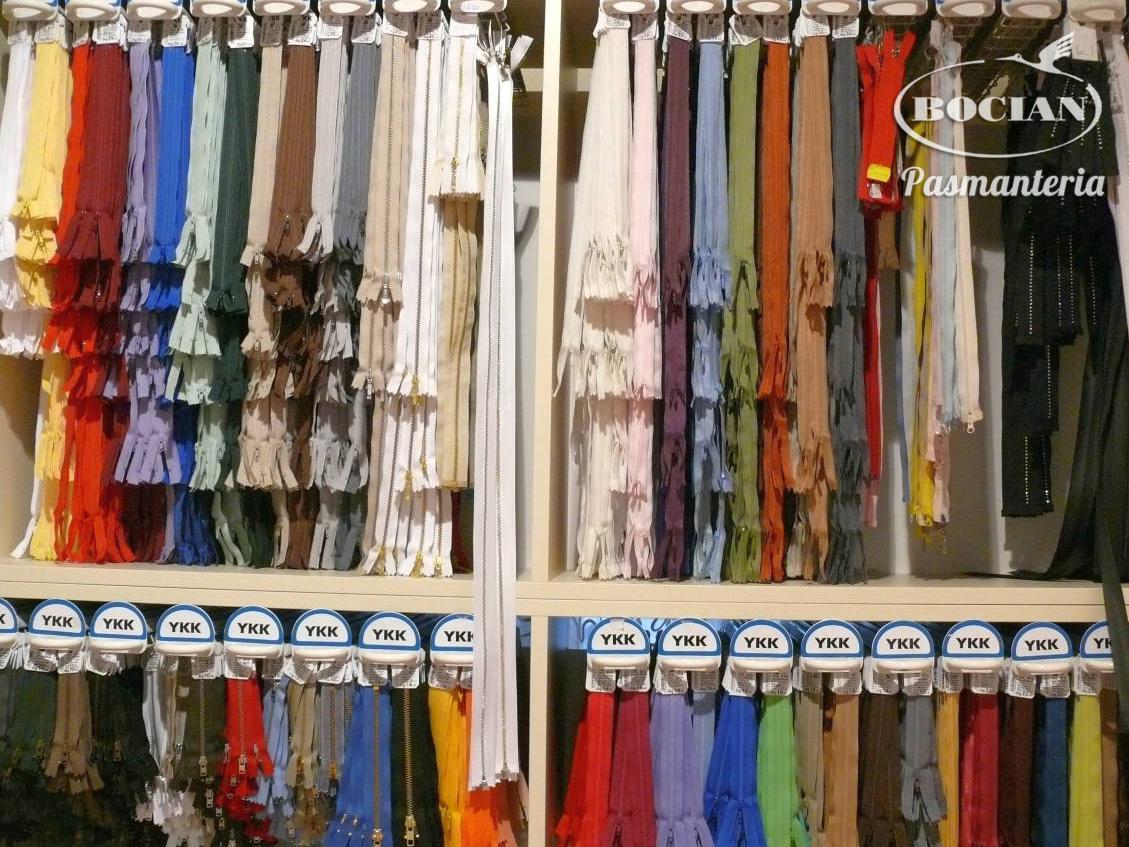 Zamki błyskawiczne, suwaki. Bogaty wybór kolorów i długości.