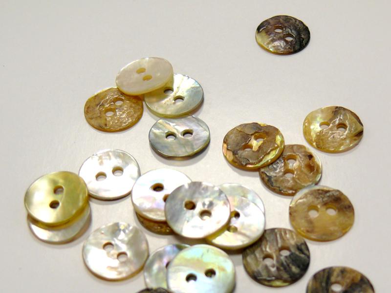 Guziki z masy perłowej 0211-18